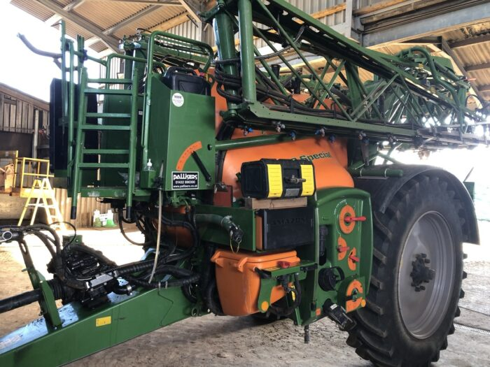 Amazone UX3200 Special 24 m trailed sprayer