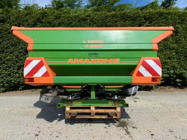 Amazone ZA-M 3001 fertiliser spreader