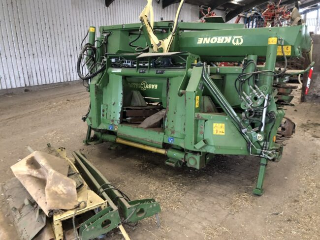 Krone EasyCollect 903 12 row maize header