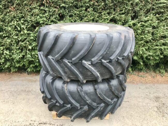 30.5L R32 (800/65 R32) floatation wheels & tyres