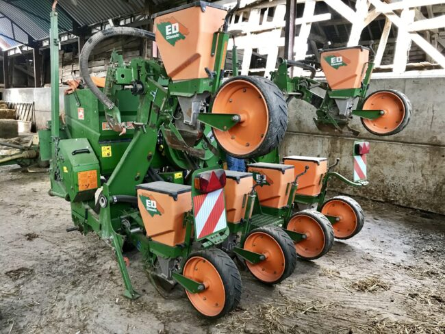 Amazone ED 452-K 6 row maize drill