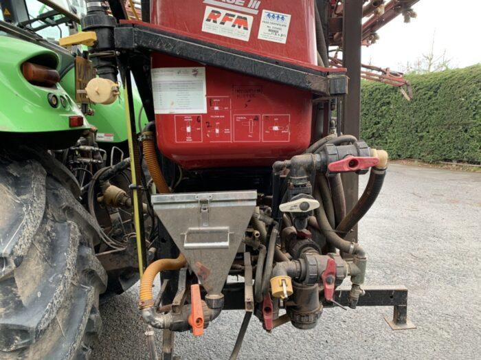 Case 1200 MS 21 metre sprayer & front tank