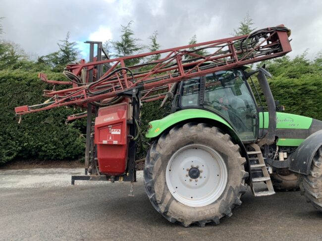 Case 1200 MS 21 metre sprayer & front tank