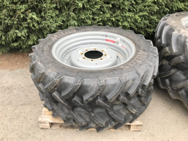 340/90 R48 & 320/85 R34 row crop wheels