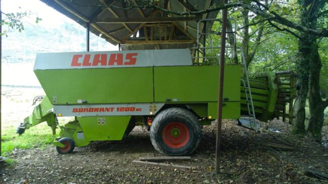 Claas Quadrant 1200 RC big square baler
