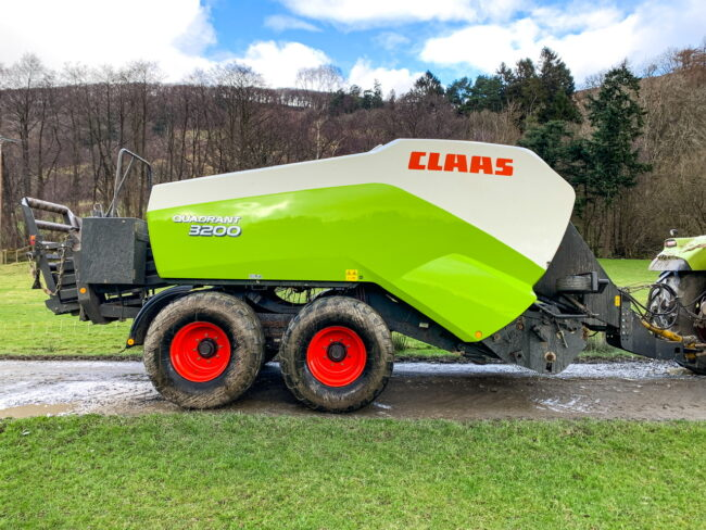Claas Quadrant 3200 tandem steering axle big square baler