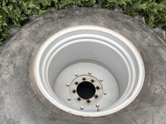 30.5L R32 (800/65 R32) floatation wheels & tyres