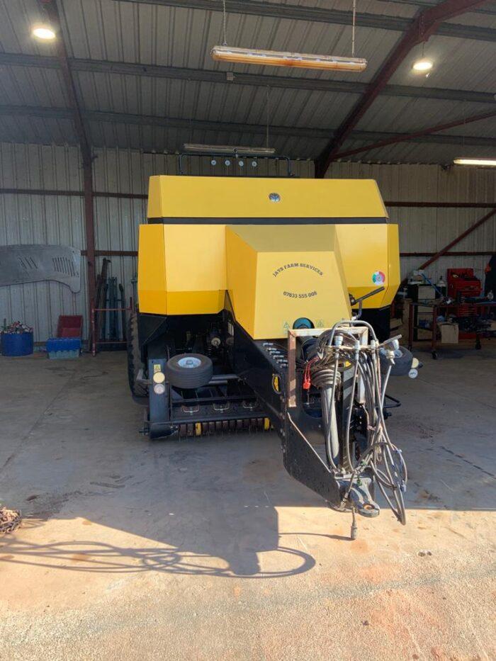 New Holland BB940A big square baler