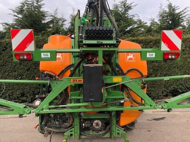 Amazone UF1201 21 metre mounted sprayer
