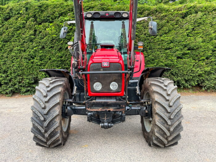 Massey Ferguson 5470 Dyna 4 & loader